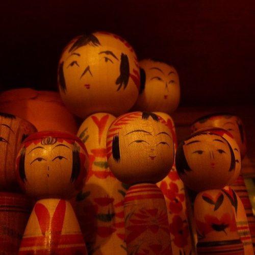kokeshi-dolls-338960_640