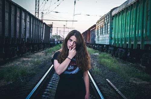 duvushka-916183_640