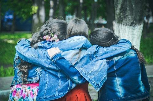 friends-775356_640
