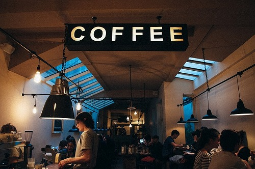 coffee-shop-1149155_640
