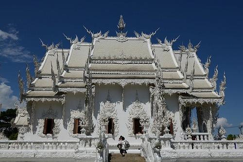 white-temple-1593445_640