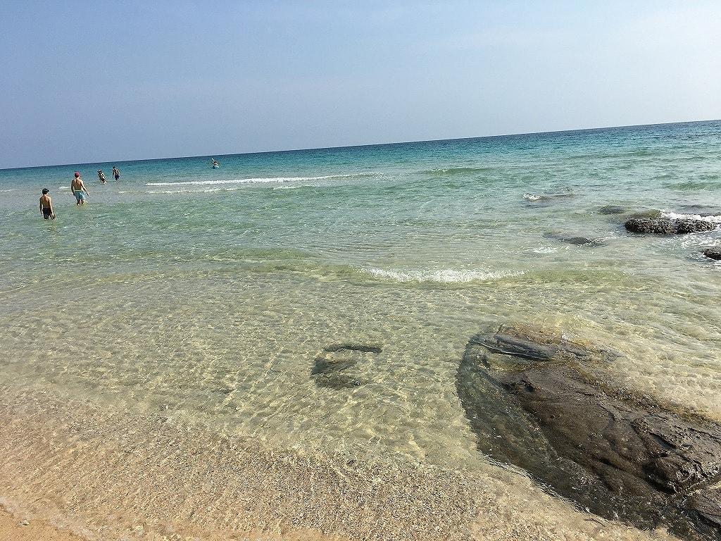 クート島の海の画像