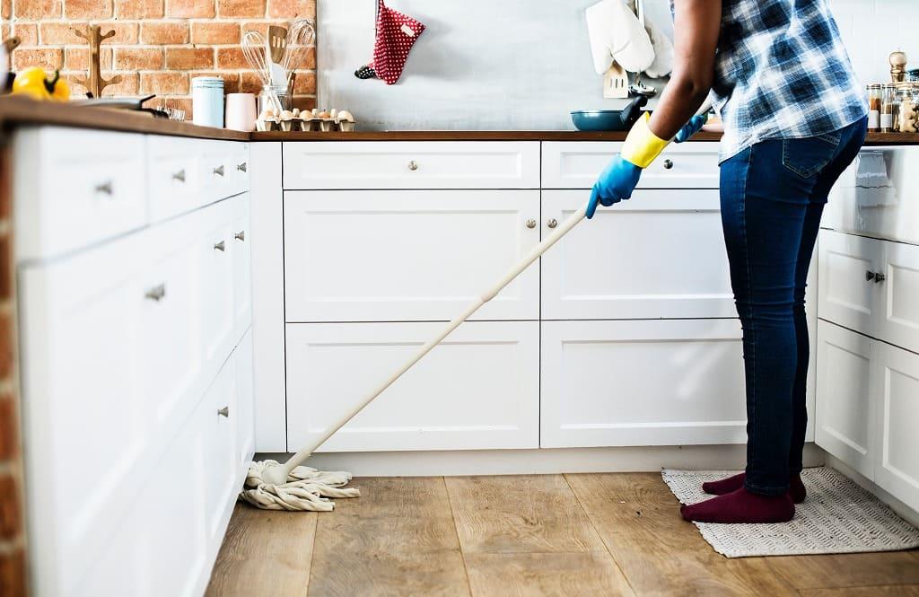キッチンの掃除の画像