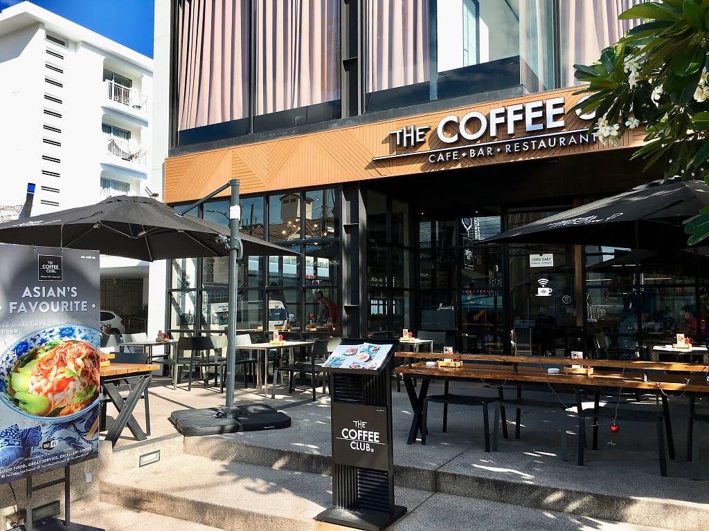 パトンビーチのカフェ