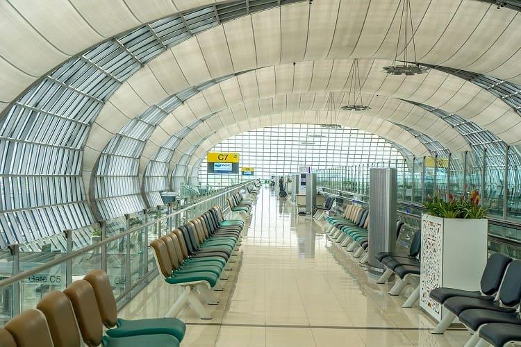 タイの空港からバンコク市内へ