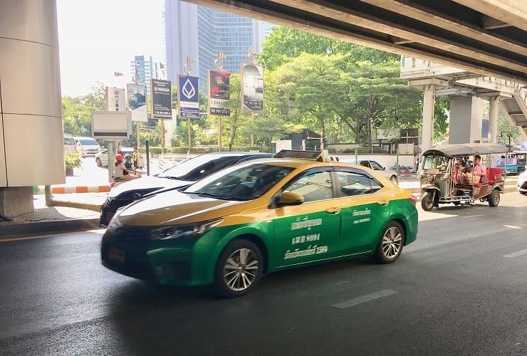 バンコクの個人タクシー