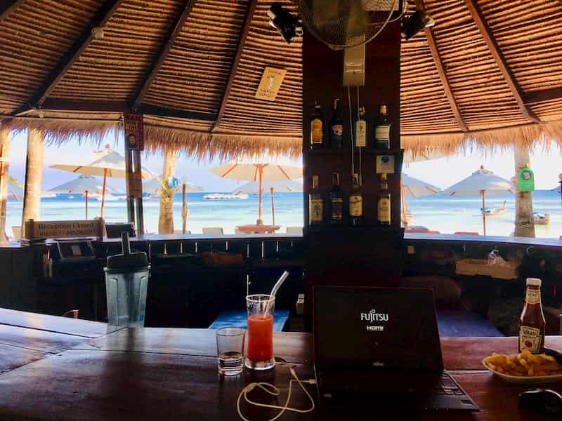 マリ リゾート パタヤ ビーチ コー リペのBAR