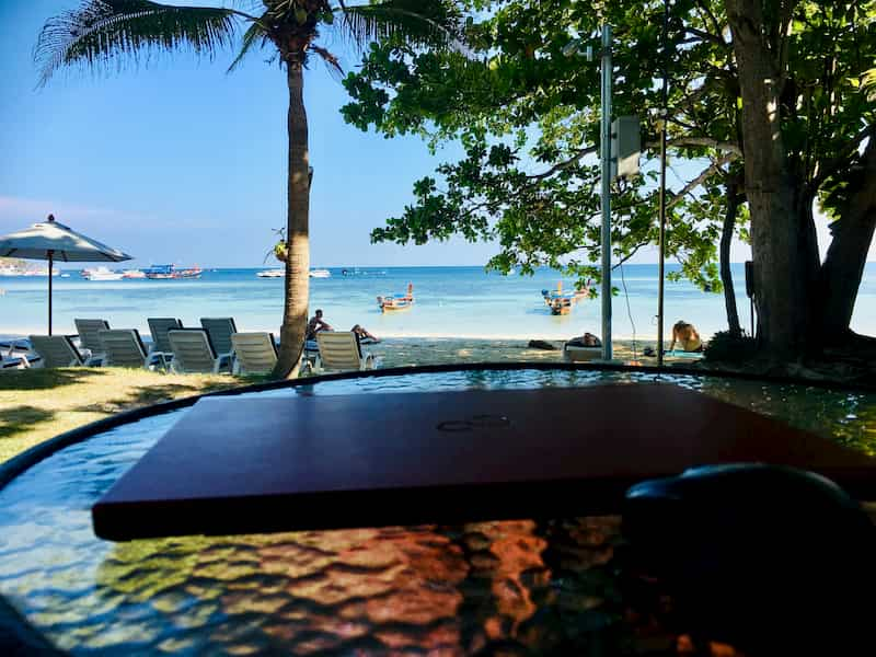 Mali Resort Pattaya Beach Koh Lipe部屋の前