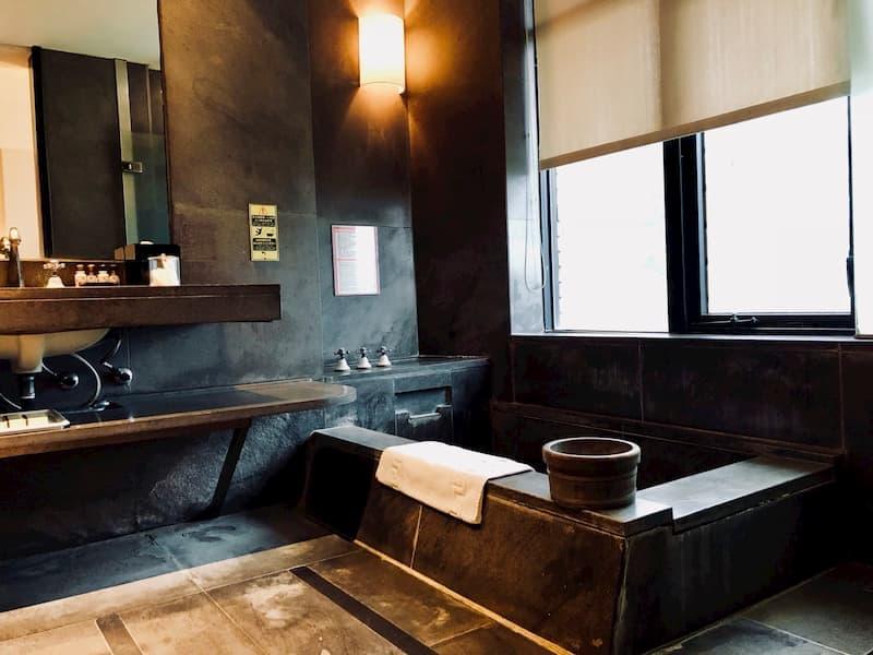 台湾の温泉ホテルの室内温泉