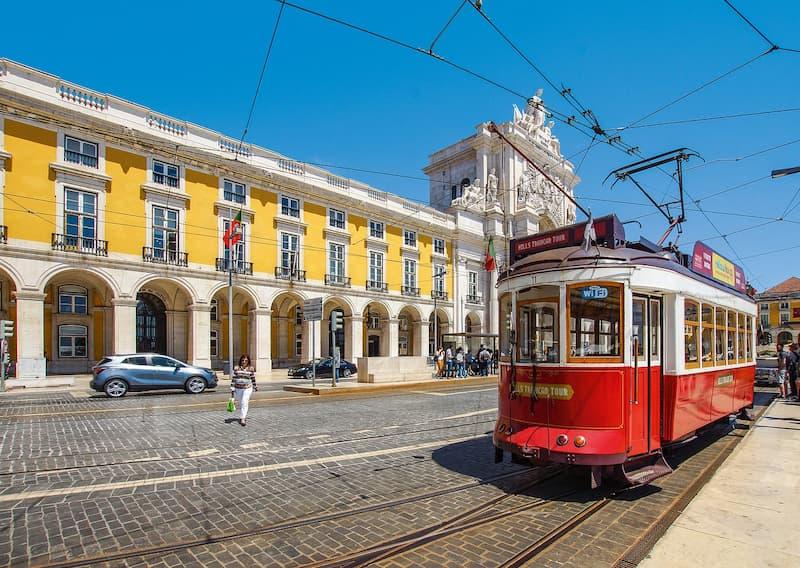 ポルトガルのトラムの画像で800サイズ